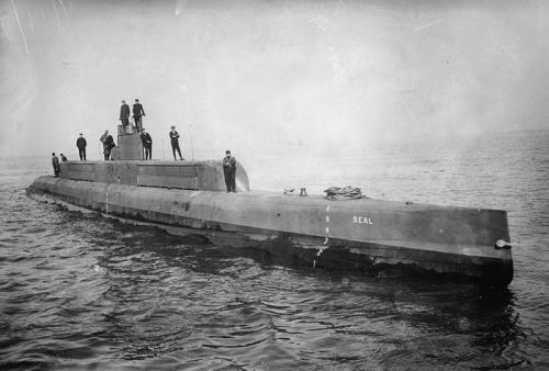 USS G-1, date 1912 United States Public Domain